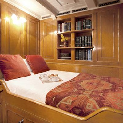 Shamrock V Yacht Double cabin