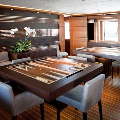 Zaliv III Yacht Dining Table