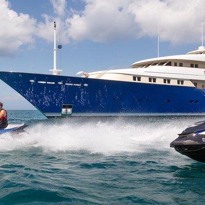 Laurel Yacht