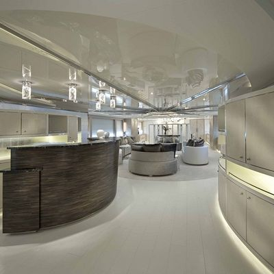Light Holic Yacht Main Salon - Aft