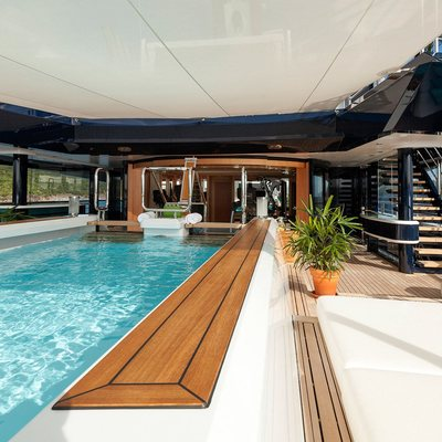 Solandge Yacht Swimming Pool