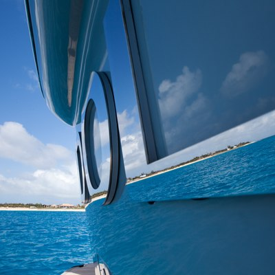 Idol Yacht External Detail