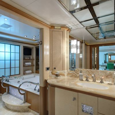 Pegasus VIII Yacht Master Bathroom