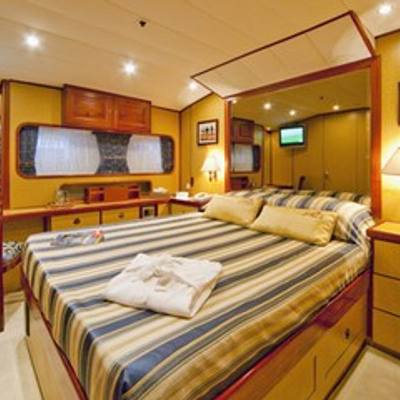 5 Fishes Yacht Blue Stateroom