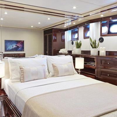Mia Zoi Yacht