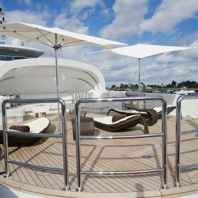 Inception Yacht Sundeck