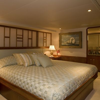 Serengeti Yacht Guest Stateroom