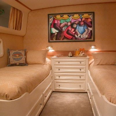 Ava Yacht Twin Stateroom