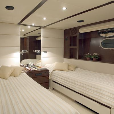 Let It Be Yacht Twin Stateroom