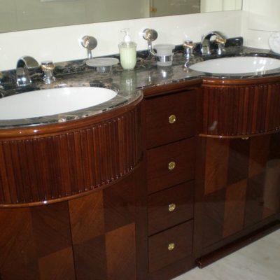 Happy Spirit Yacht Bathroom