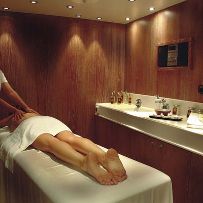 Elegant 007 Yacht Massage Room