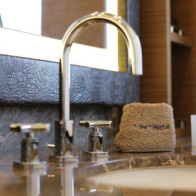 Namaste 8 Yacht Master Bathroom - Detail