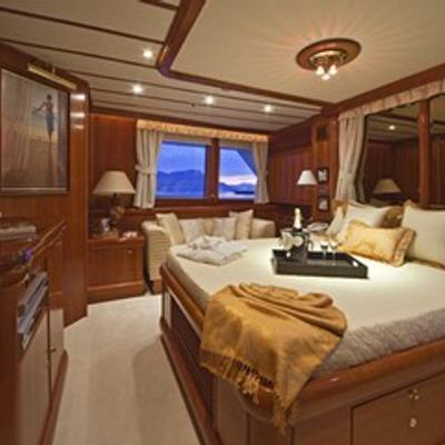 5 Fishes Yacht Master Stateroom