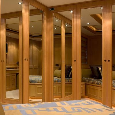 Hana Yacht Guest Stateroom - Mirrors