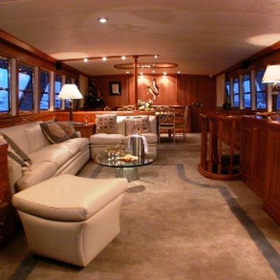 Ava Yacht Saloon & Dining