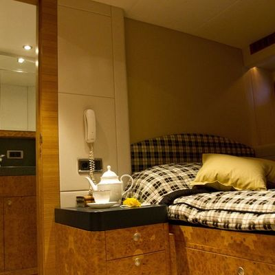 Sunny Hill Yacht Double Stateroom