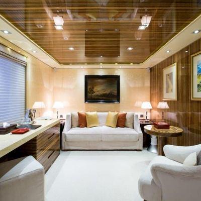 Vertigo Yacht