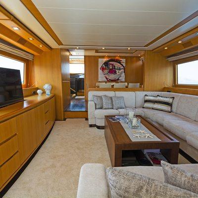 Fos Yacht