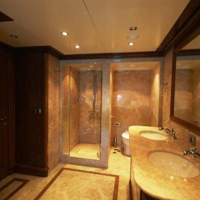 Loretta Yacht Shower Room