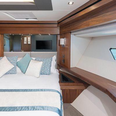 Hunky Dory Of London Yacht