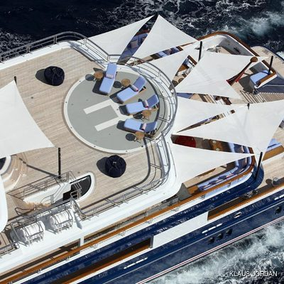 Huntress Yacht Running Shot - Helipad