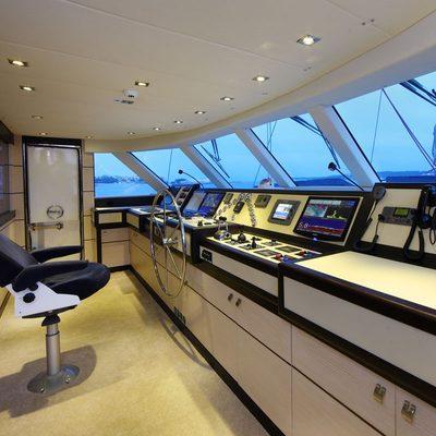 Perla del Mare Yacht Bridge