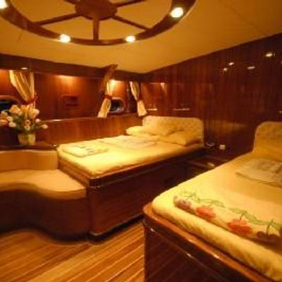 Esma Sultan Yacht Twin Stateroom