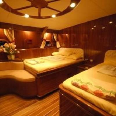 Esma Sultan Yacht Twin Stateroom