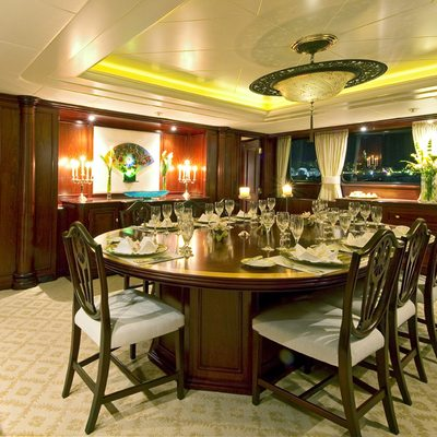 Legend Yacht Dining Salon - Table Set