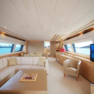 Julie M Yacht
