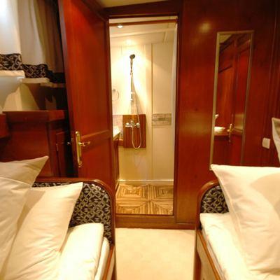 Gem Yacht Twin Stateroom