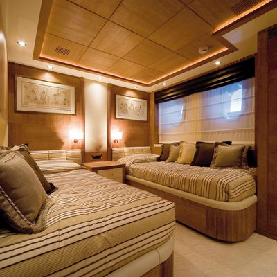 O'Ceanos Yacht Twin Stateroom