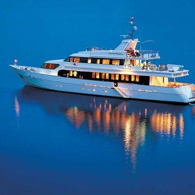 Carmen Fontana Yacht Profile - Night