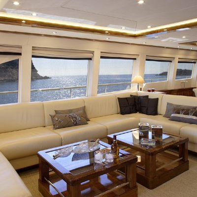 Dragon Yacht Saloon - Seating