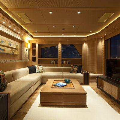 Naia Yacht Master Lounge - Windows