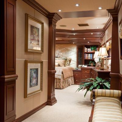 Lagniappe Yacht Master Foyer