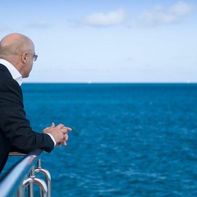 Elegant 007 Yacht Sundeck - View