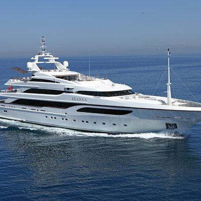 Seanna Yacht Side View