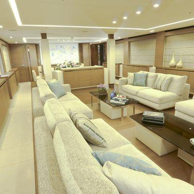 Ipanemas Yacht Main Saloon