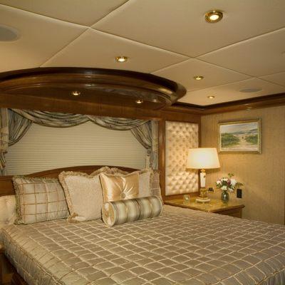 Aquasition Yacht Stateroom