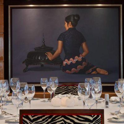 Lady MM Yacht Detail - Dining Salon