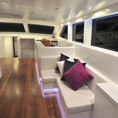 Ubi Bene Yacht Salon Seating