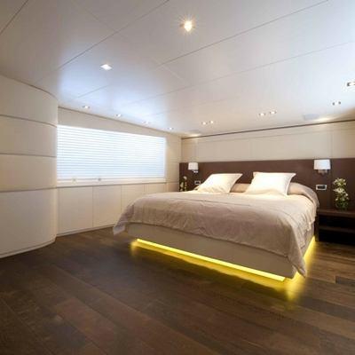 Palm B Yacht Master Stateroom