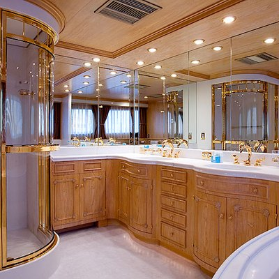 Lady Rose Yacht Master Bathroom