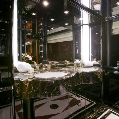Il Sole Yacht Master bath