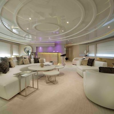 Light Holic Yacht Upper Deck Lounge