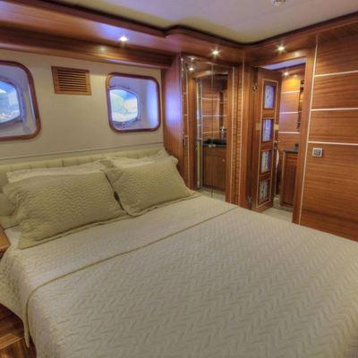 Dragonfly Yacht