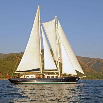 Ofelia Yacht Side