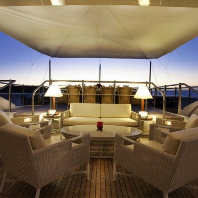 Jaguar Yacht Sundeck - Seating