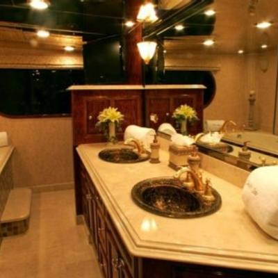 Leight Star Yacht